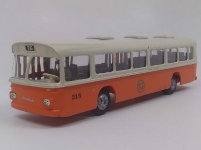 Picture of Scaina CR-76  Bus - white/orange  SJ