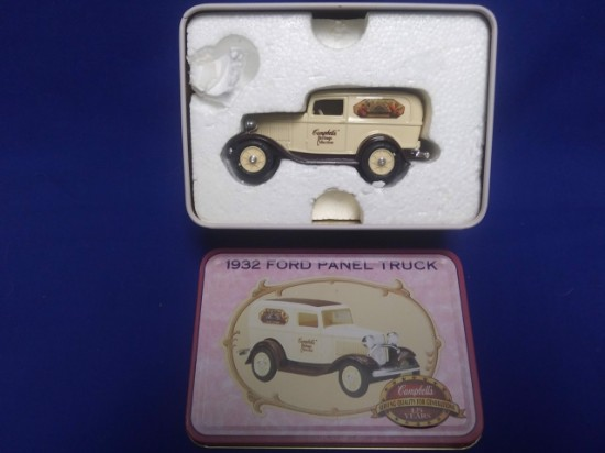 Picture of Ford 1932 panel truck -Campbell's in collectors tin