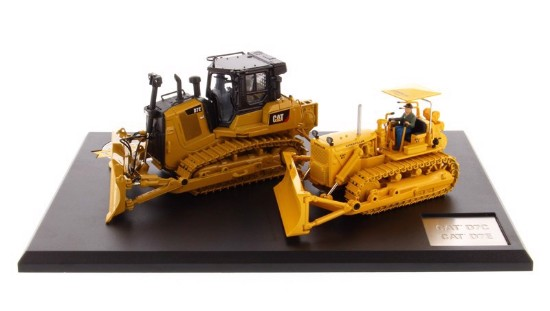Picture of Cat D7C Track-Type Tractor & Cat D7E Electric Drive Track-Type Tractor