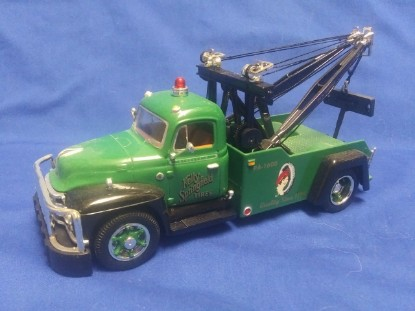 Picture of 1955 Diamond -T Tow Truck KELLY SPRINGFIELD