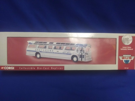 Picture of GM 5301 Fishbowl bus GREYHOUND NY Worlds Fair