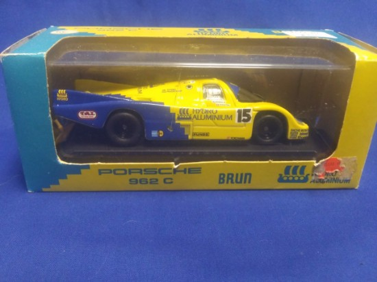 "Picture of 1990 Porsche 962 C ""Hydro Aluminum"" race car  #15"