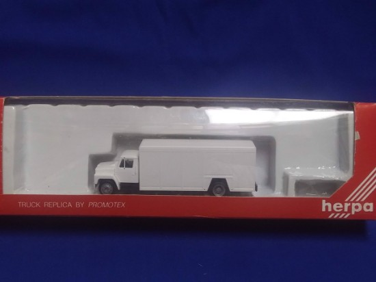 Picture of International   Truck -White