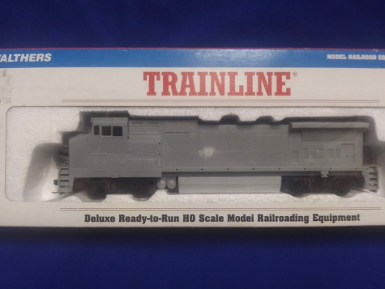 Picture of GE Dash 8 40 BW diesel locomotive - undecorated