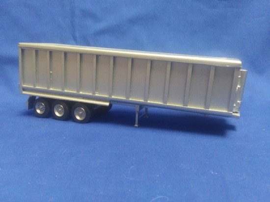 Picture of 3 axle high side dump trailer with cap - silver