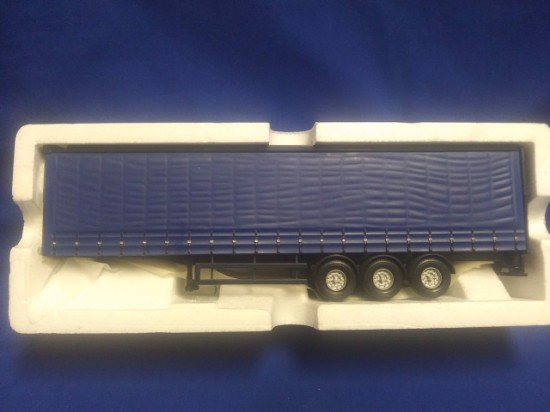 Picture of Blue Curtainside Trailer