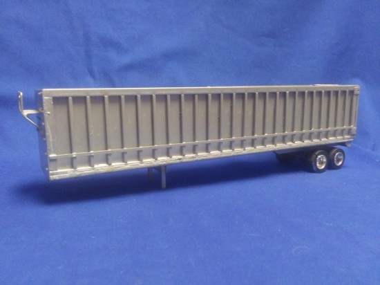 Picture of 2 axle chip trailer