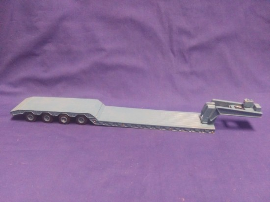 Picture of 4 axle lowboy  - blue