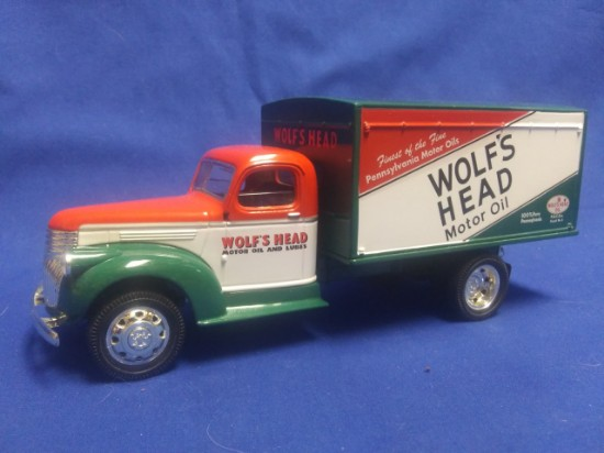 """Picture of 1942 Chevy Van Box  Truck """"Wolfs Head Motor Oil"""" (Bank)"""