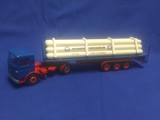 Picture of MAN semi gas tube tanker  MESSER GRIESHEIM
