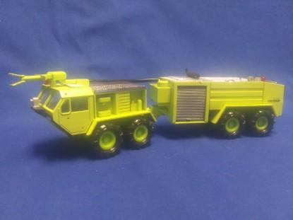 Picture of Oshkosh Viper air crash truck - green