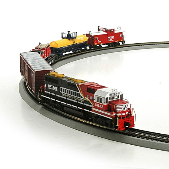 Picture of First Responder Norfolk Southern train set
