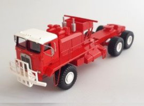 Picture of Kenworth 993 COE oilfield truck - red