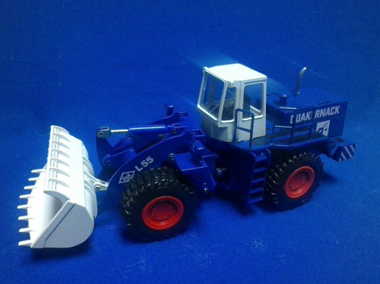 Picture of O&K L55 wheel loader - QUAKERNACK
