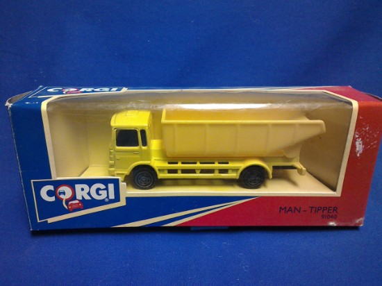 Picture of Man-Tipper truck-  yellow