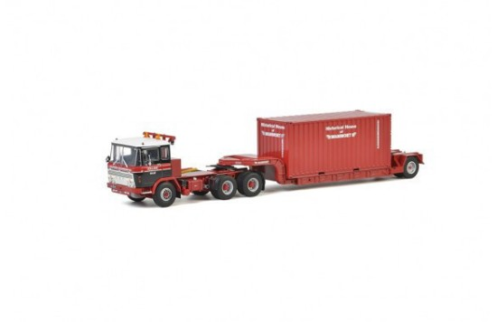 Picture of DAF 2600 lowboy with container  MAMMOET
