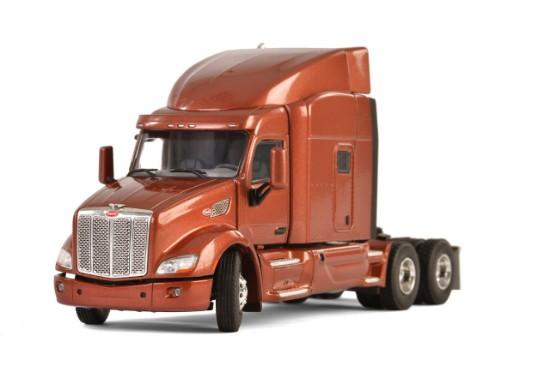Picture of Peterbilt 579 tractor - metallic brown