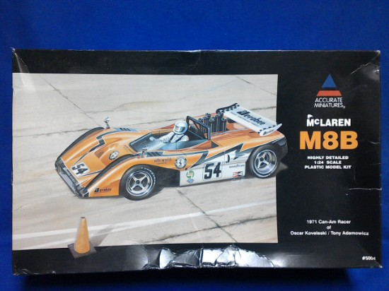 Picture of McLaren M8B race car 1971