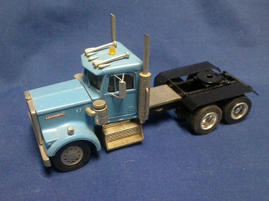 Picture of Kenworth tractor 6x4  blue