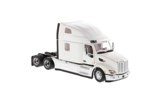 Picture of Peterbilt 579 Ultraloft tractor  - white