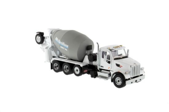 Picture of Peterbilt 579 w/McNeilus concrete mixer - white/grey