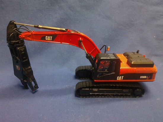 Picture of Caterpillar 336D track excavator with scrap shear - red