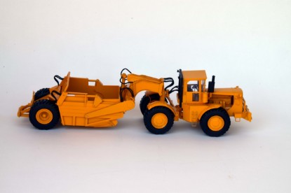 Picture of Cat 830M scraper - yellow