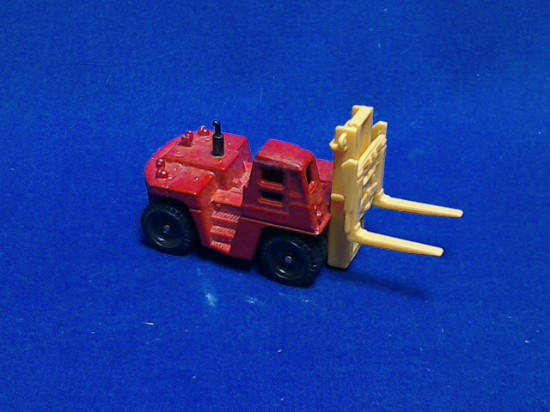 Picture of Toyota FD200 forklift - red