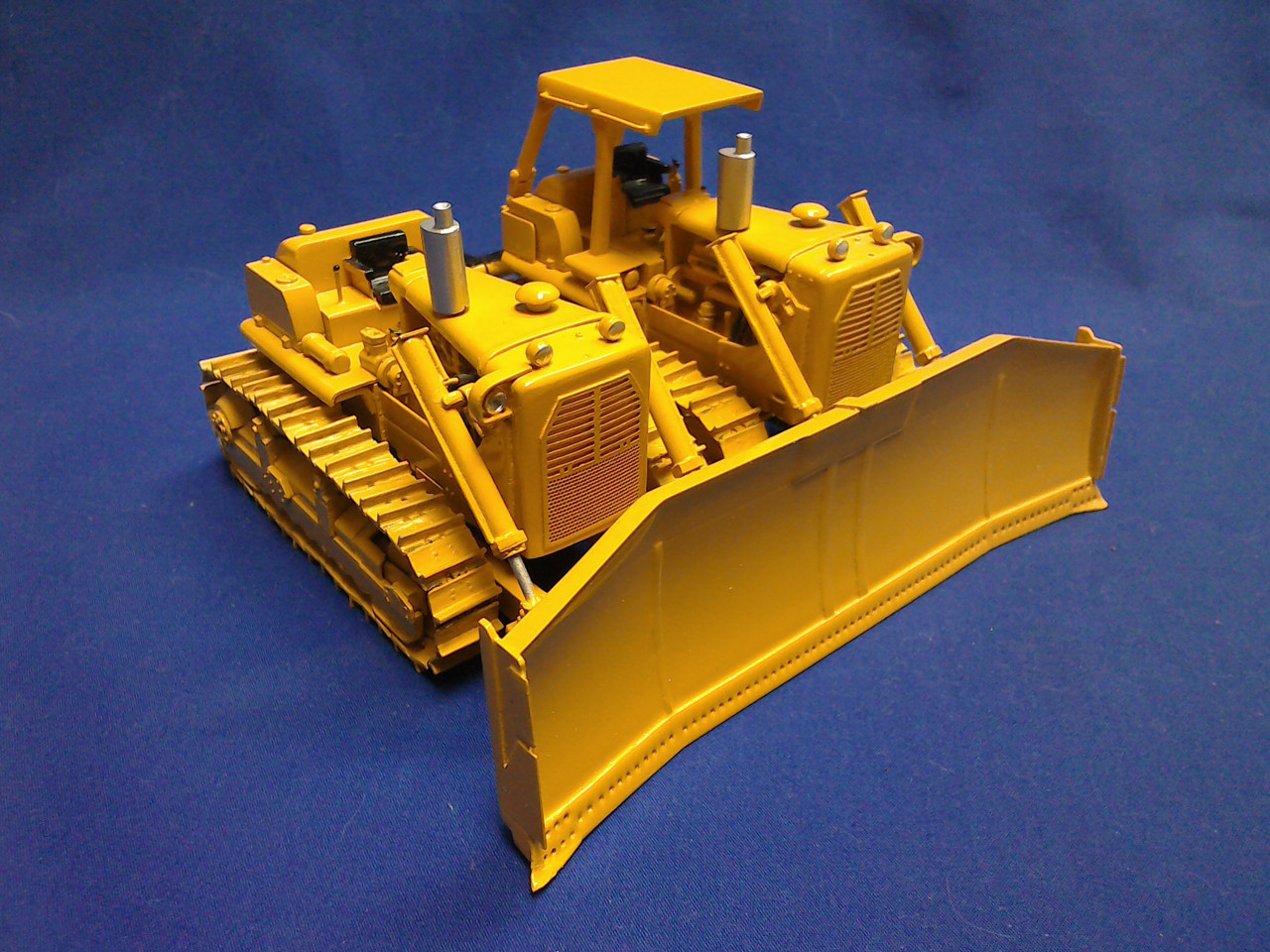 Picture of D9H SxS with straight blade - ROPS version