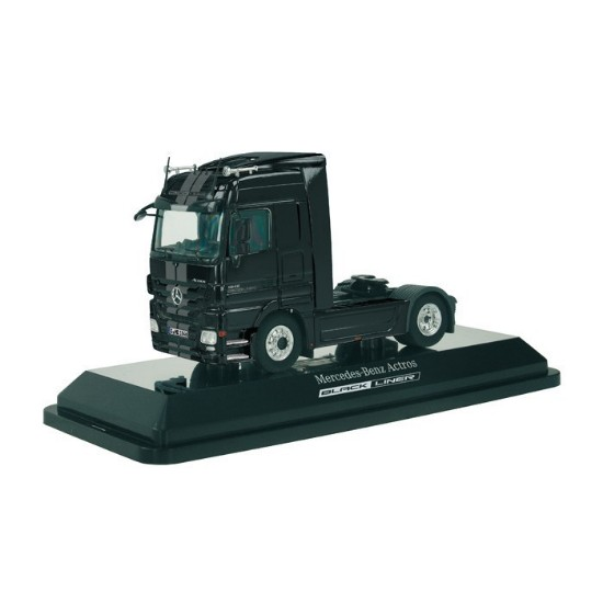Picture of Mercedes Benz tractor - black