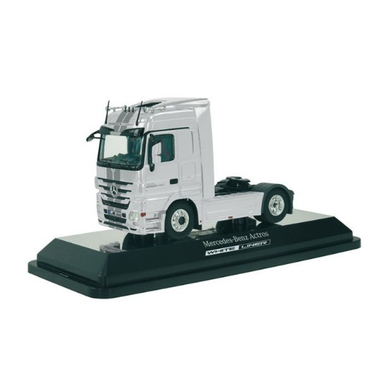 Picture of Mercedes Benz tractor - white