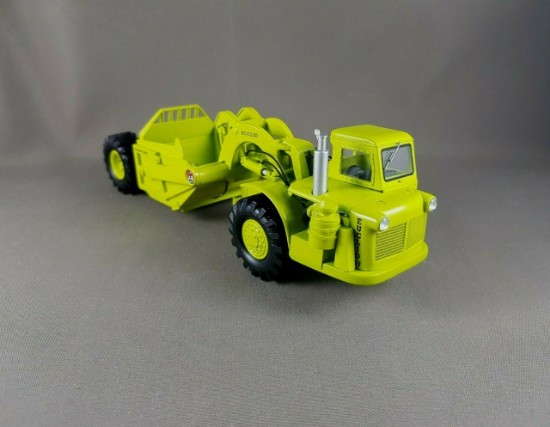 Picture of Euclid S-7 scraper with cab - green