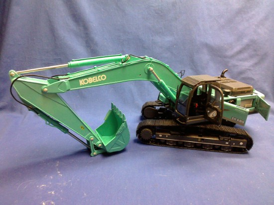 Picture of Kobelco SK460-8 track excavator - green