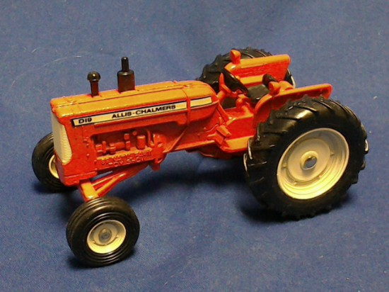 Picture of Allis Chalmers Model D19 farm tractor