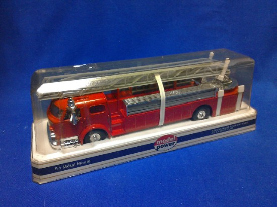 Picture of American Lafrance fire ladder - red