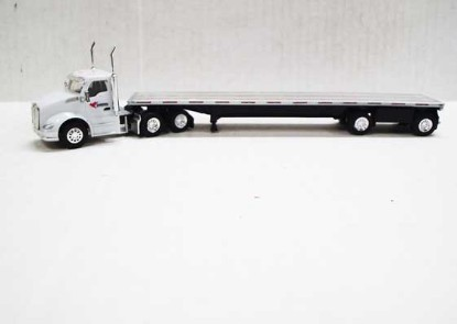 Picture of Peterbilt 579 DC with Flatbed -Cardinal