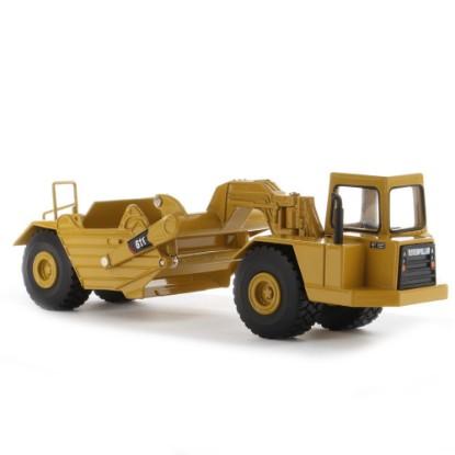 Picture of Caterpillar 611 wheel tractor scraper