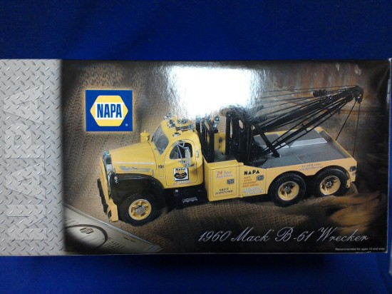 Picture of Mack 1960 Model B-61 Tow Truck - NAPA