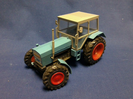 Picture of Eicher tractor - metal version