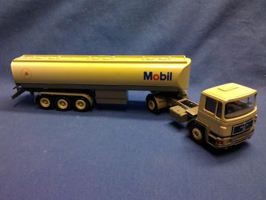 Picture of MAN semi tanker   MOBIL