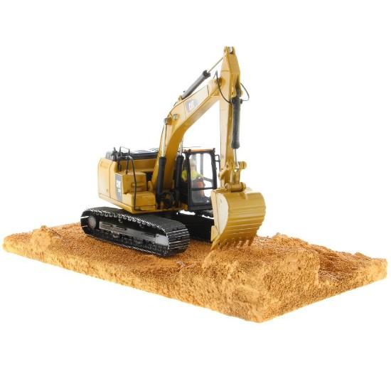Picture of Caterpillar 320F track excavator - weathered