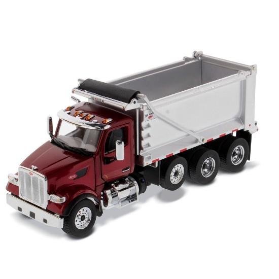 Picture of Peterbilt 567 tandem + pusher axle Ox body dump