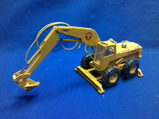 Picture of Pingon Sitting Bull 120/14C wheel excavator - V bucket
