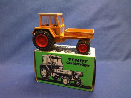 Picture of Fendt farm tractor with dump box - orange