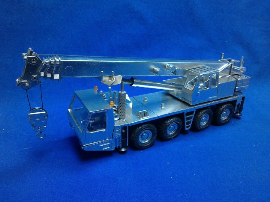 Picture of Krupp KMK4070 crane - silver plated