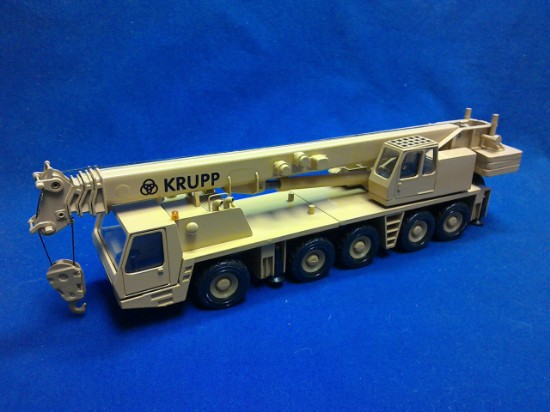 Picture of Krupp 5090 5 axle crane - yellow Grove color
