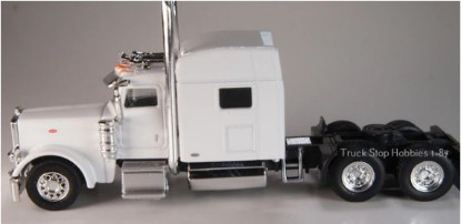 Picture of Peterbilt  389 3 Axle tractor/sleeper - 2 Pack - white