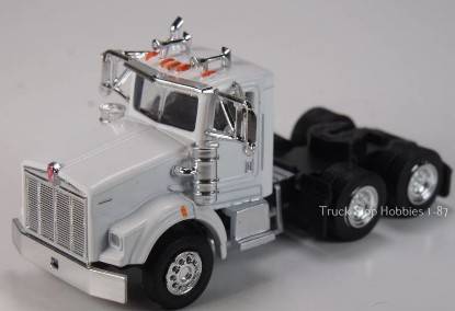 Picture of Kenworth T800  3 Axle  Daycab - 2 Pack- white