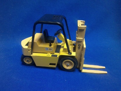 Picture of Caterpillar V80E forklift   (old yellow)