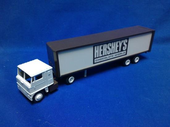Picture of Tractor + box van   Hersheys